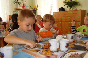 Как накормить ребенка
