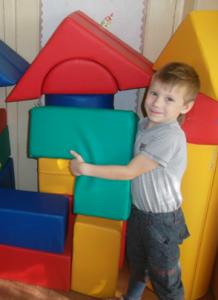 Маленький собиратель: что делать с капризами ребенка в магазине?
