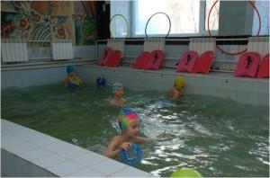Использование упражнений в парах в процессе обучения дошкольников плаванию