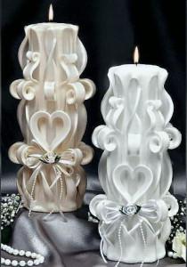 В тихом мерцании свечи